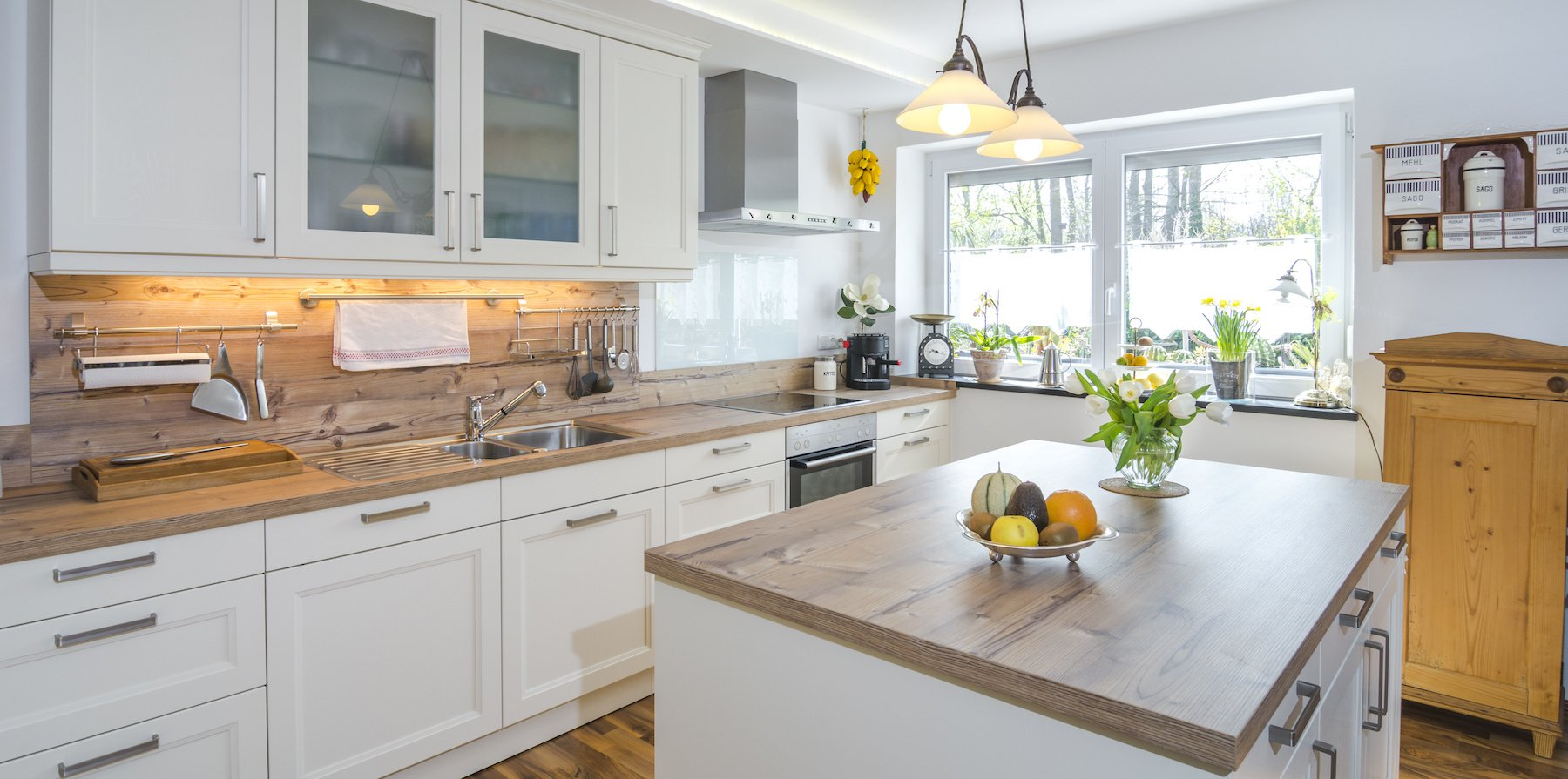 Update Old Kitchen Lighting In Your Kelowna Home Epic Electric - Kitchen lighting companies