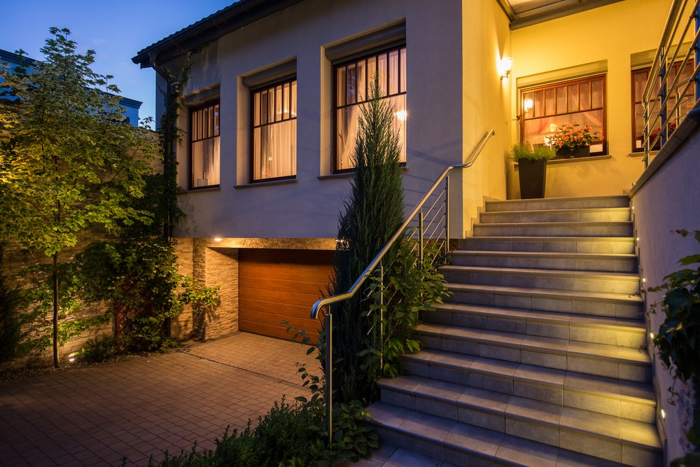 Kelowna Electrician: Epic Electric - Home with exterior lighting
